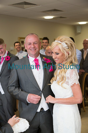 Wedding of Peter & Nicola @ Ystrad Mynach Registry