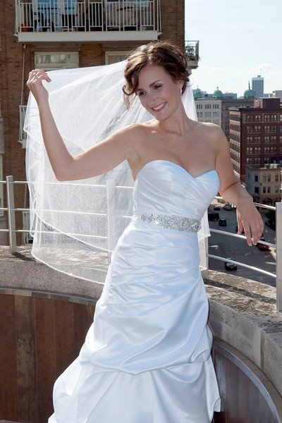 Milwaukee bride atop Zen on 7 rooftop at Hotel Metro