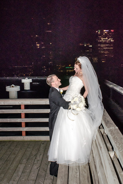 Bride and groom photo on the rooftop of the Astor Hotel Milwaukee.