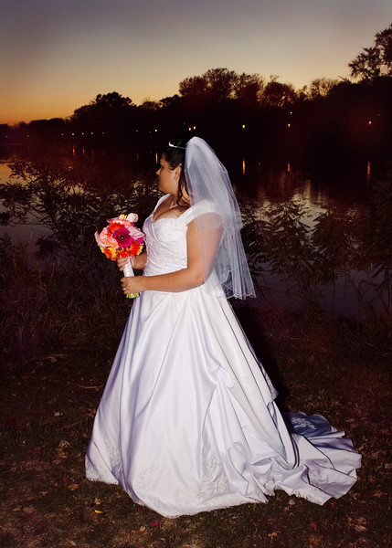 Bride portrait at sunset along the Fox River in Frame Park of Waukesha.