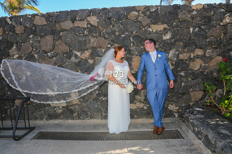 Sarah and Steven's wedding photography Lanzarote