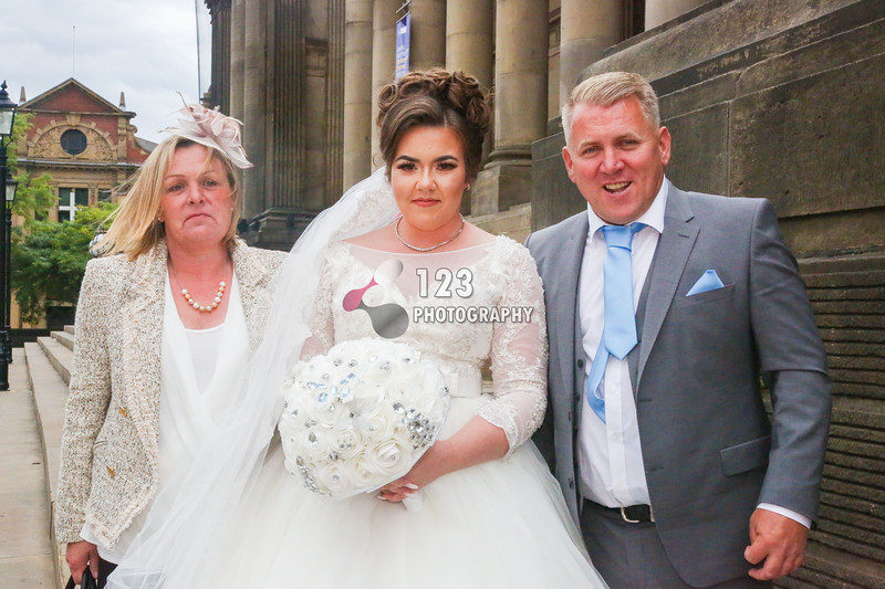 wedding photography Leeds Town Hall, getting married Leeds Registry Office