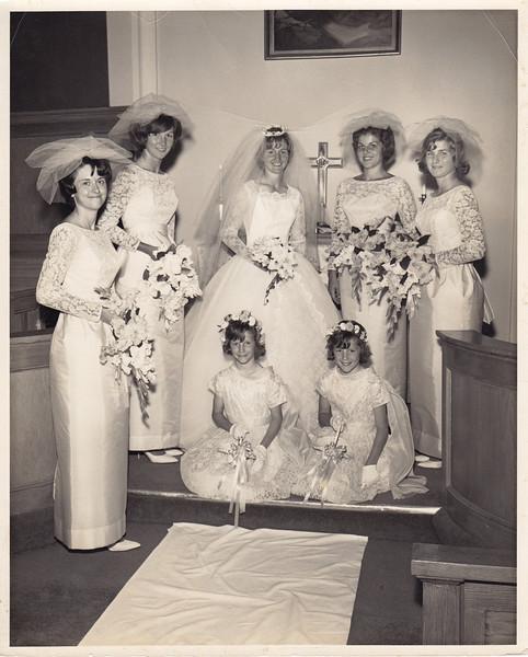 Anita Allen, Liz Mayer, Louise Miller, Cheri Guss & Lillian Cary<br /> Bev & Barb Mayer