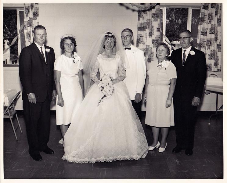 Family Picture<br /> Don & Julia Mayer,  Larry & Louise Miller,  Edna & LaVerne Miller