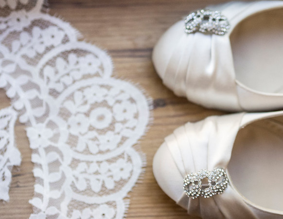 bride shoes & veil
