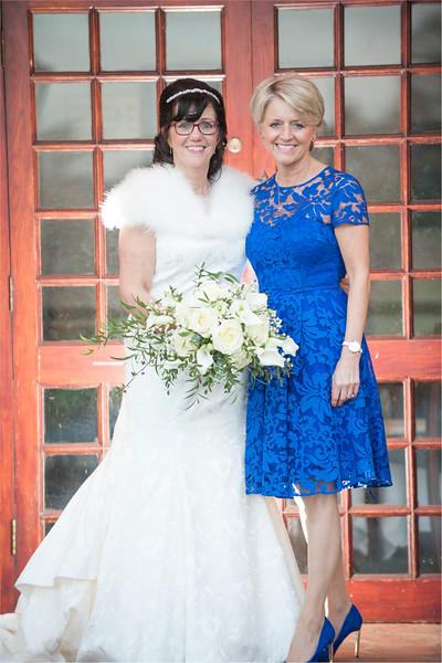 0156 - West Yorkshire Wedding Photographer - Holiday Inn Tong Village -