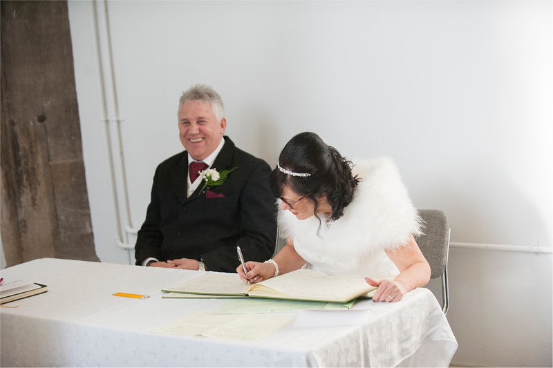 0078 - West Yorkshire Wedding Photographer - Holiday Inn Tong Village -