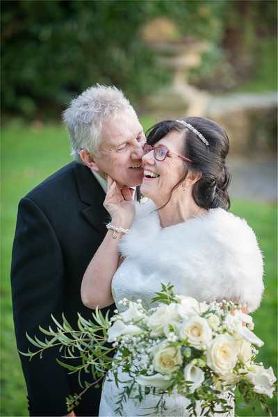 0147 - West Yorkshire Wedding Photographer - Holiday Inn Tong Village -