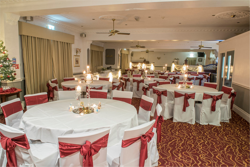 0210 - West Yorkshire Wedding Photographer - Holiday Inn Tong Village -