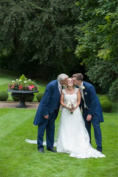 0142 - Leeds Wedding Photographer - Wentbridge House Wedding Photography -