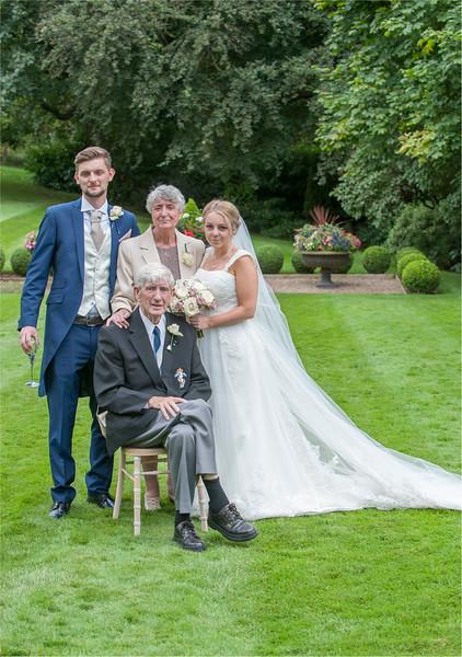 0129 - Leeds Wedding Photographer - Wentbridge House Wedding Photography -