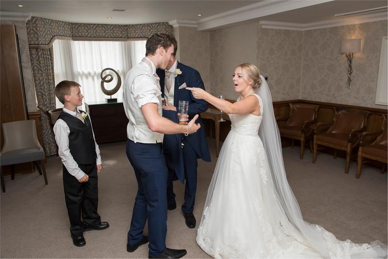 0205 - Leeds Wedding Photographer - Wentbridge House Wedding Photography -