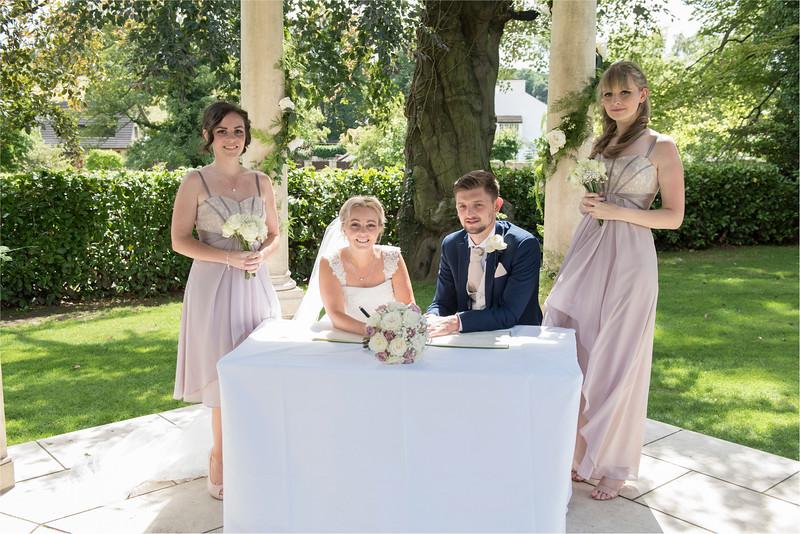 0110 - Leeds Wedding Photographer - Wentbridge House Wedding Photography -