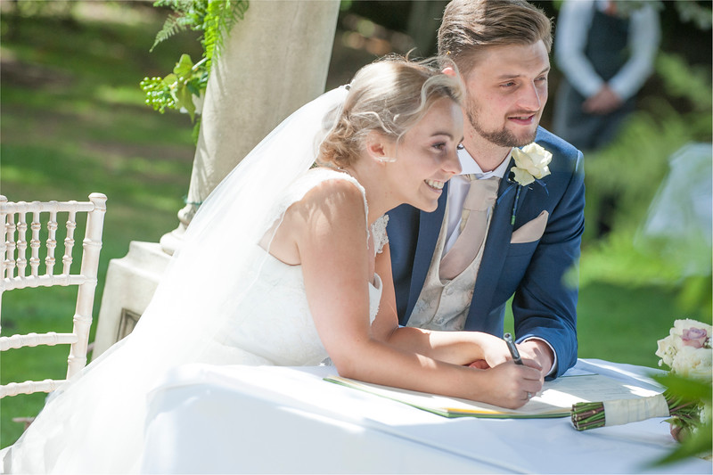 0111 - Leeds Wedding Photographer - Wentbridge House Wedding Photography -