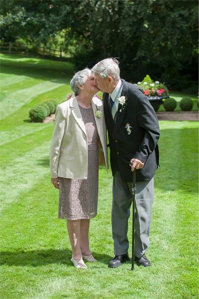 0131 - Leeds Wedding Photographer - Wentbridge House Wedding Photography -