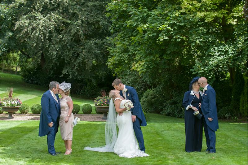 0140 - Leeds Wedding Photographer - Wentbridge House Wedding Photography -