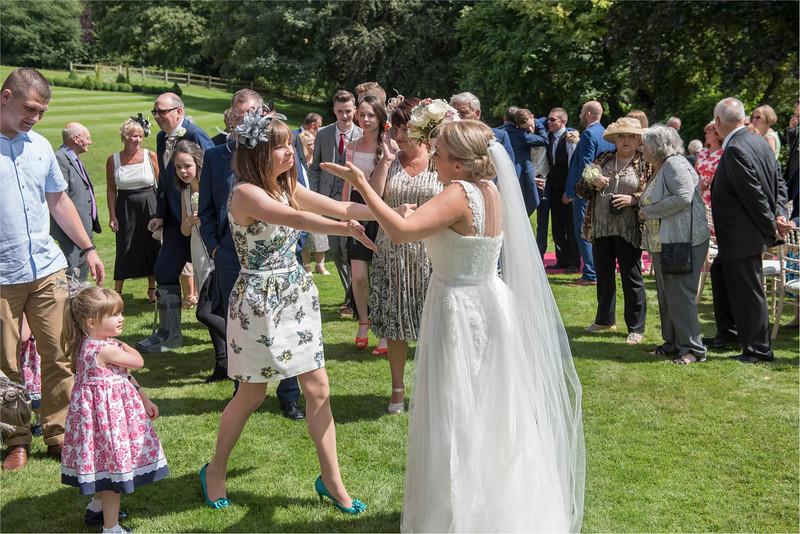 0118 - Leeds Wedding Photographer - Wentbridge House Wedding Photography -