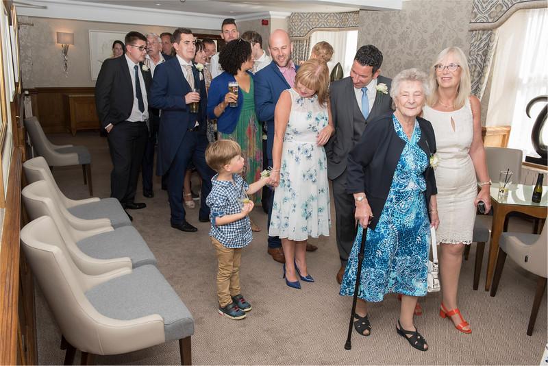 0204 - Leeds Wedding Photographer - Wentbridge House Wedding Photography -