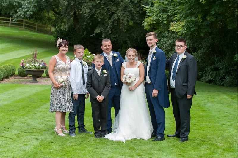 0149 - Leeds Wedding Photographer - Wentbridge House Wedding Photography -