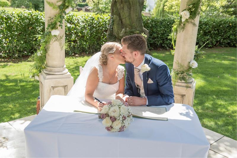 0109 - Leeds Wedding Photographer - Wentbridge House Wedding Photography -