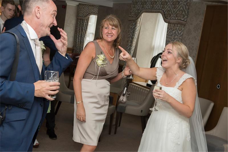0210 - Leeds Wedding Photographer - Wentbridge House Wedding Photography -