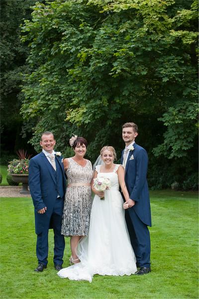 0147 - Leeds Wedding Photographer - Wentbridge House Wedding Photography -