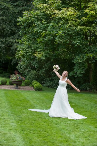 0143 - Leeds Wedding Photographer - Wentbridge House Wedding Photography -