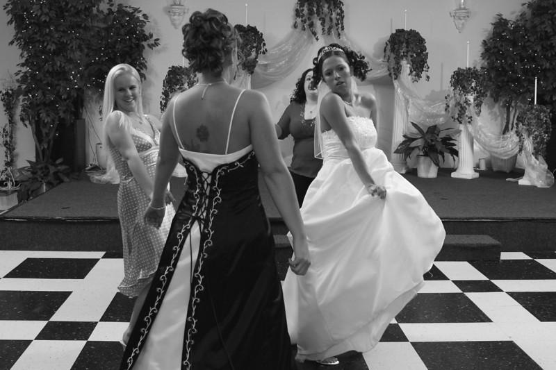 Carrie and Kurt Wedding 04 07 2007 A 535psbw