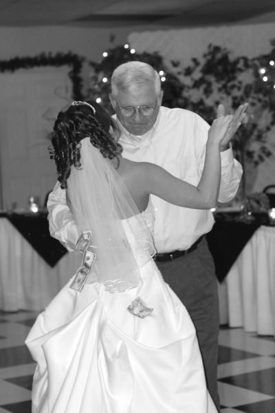 Carrie and Kurt Wedding 04 07 2007 B 189PSBW