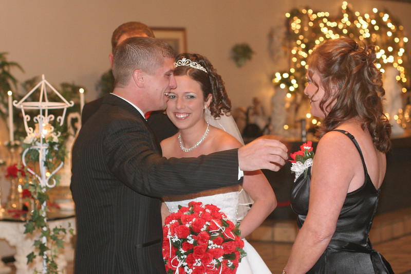 Carrie and Kurt Wedding 04 07 2007 B 109ps