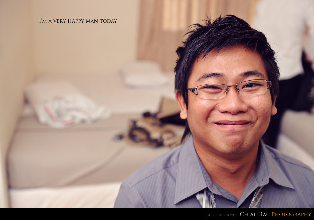 Yes, Chee Wei looks happy here