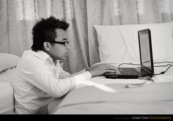 KK watching some HK series while waiting