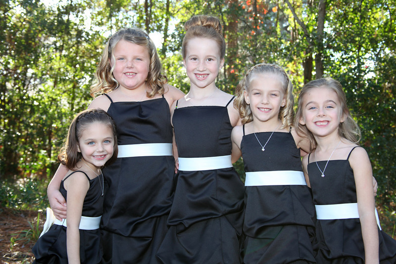 Bryce Lafoon Photography captures a group of young bridesmaids in Wilmington, North Carolina.