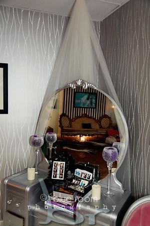 Bridesmaids - The Powder Room 016