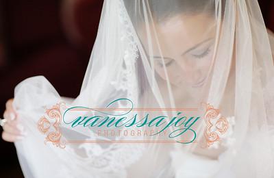 yoli wedding album layout 011 (Sides 21-22)