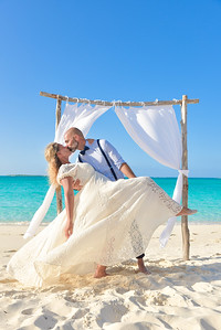 Beach Wedding in Exuma Bahamas photo by Reno Curling #renocurling