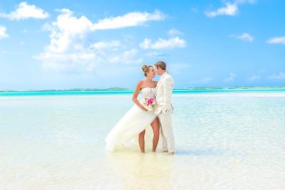 Sandbar Wedding in Exuma Bahamas photo by Reno Curling #renocurling