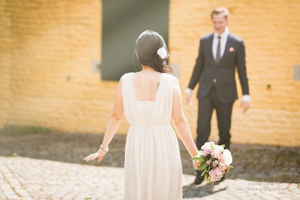 Brautpaar nach der Hochzeit im Haus Katz in Jüchen