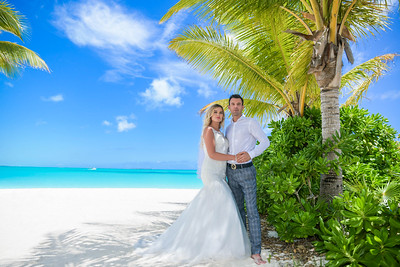 Destination Beach Wedding at Hoopers Bay in Exuma Bahamas photo by Reno Curling #renocurling