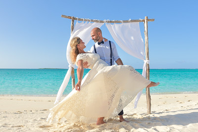 Destination Wedding at Paradise Bay Resort in Exuma Bahamas photo by Reno Curling #renocurling