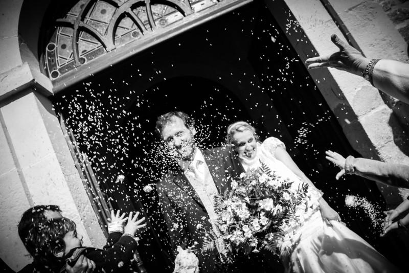 La sortie de l'église des mariés