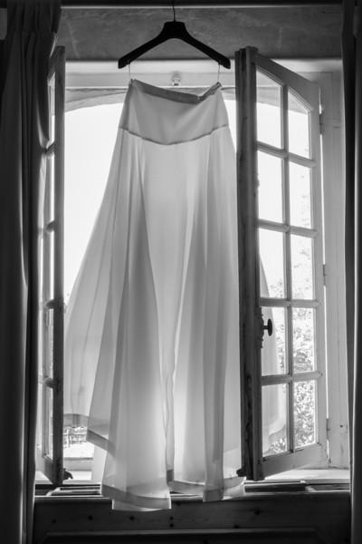 Préparation de la mariée: la robe