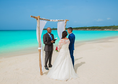 Destination Beach Wedding at Paradise Bay Resort in Exuma Bahamas photo by Reno Curling #renocurling