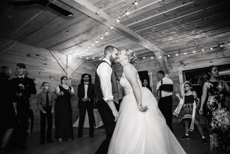 Lauren&Matt_Wedding_2017-339