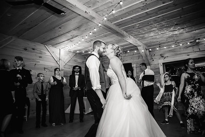 Lauren&Matt_Wedding_2017-339