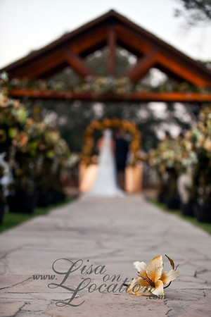 New Braunfels wedding photography by Lisa On Location at Boulder Springs Special Events Center.