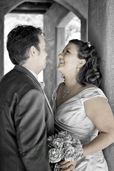Lisa on Location provides family and wedding portrait photography for New Braunfels, San Antonio and surrounding cities. Wedding and reception at Chapel Dulcinea, the free wedding chapel, south of Austin. Photography by Lisa On Location.
