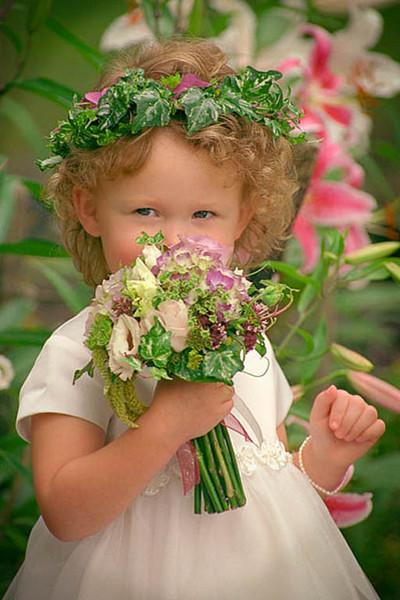 288 dpi flowere girl