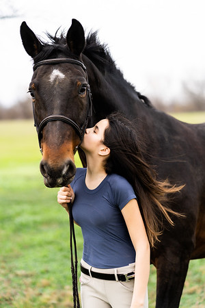 Addison-Poses-Horse-Portraits-012