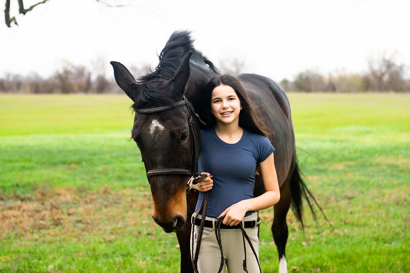 Addison-Poses-Horse-Portraits-006